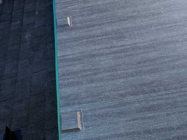 Raised Base Plates for railing on vinyl deck