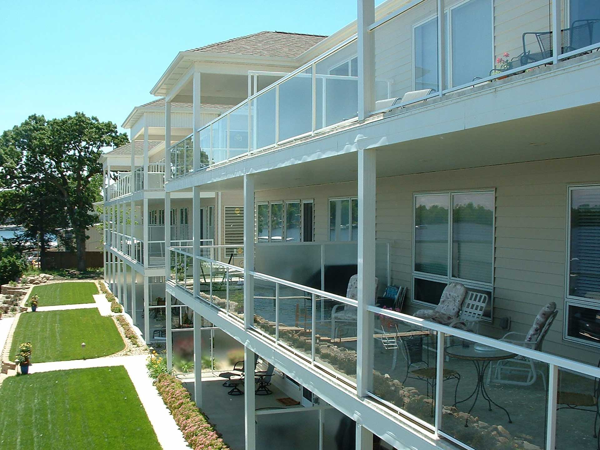 Glass railing duradek for Glass balcony railing