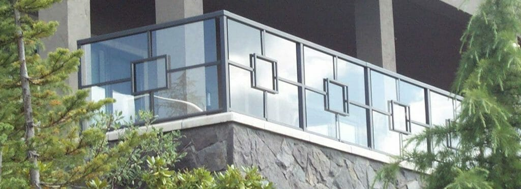 Custom Glass Railing System
