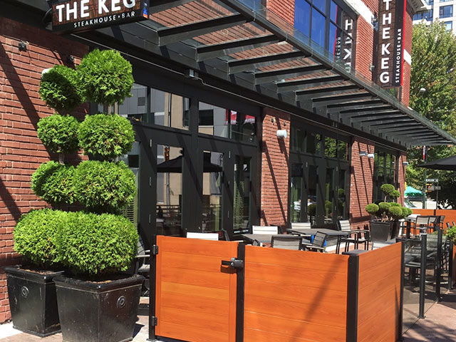 patio fencing at the Keg restaurant