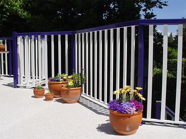 custom color picket railing